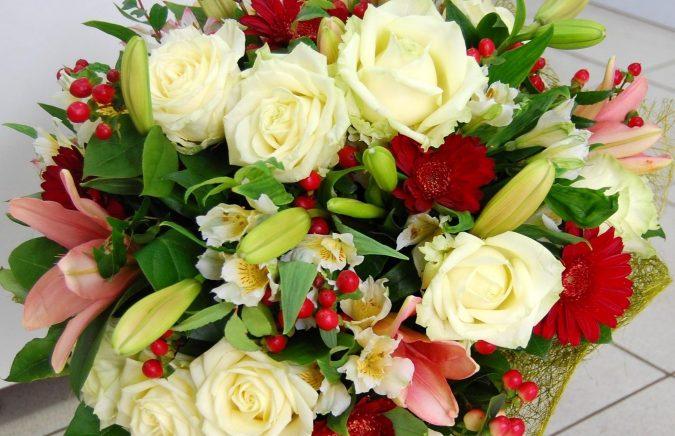 доставка квітів в букетах